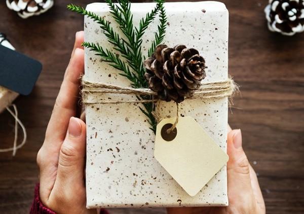 Happy Holidays vs. Merry Christmas